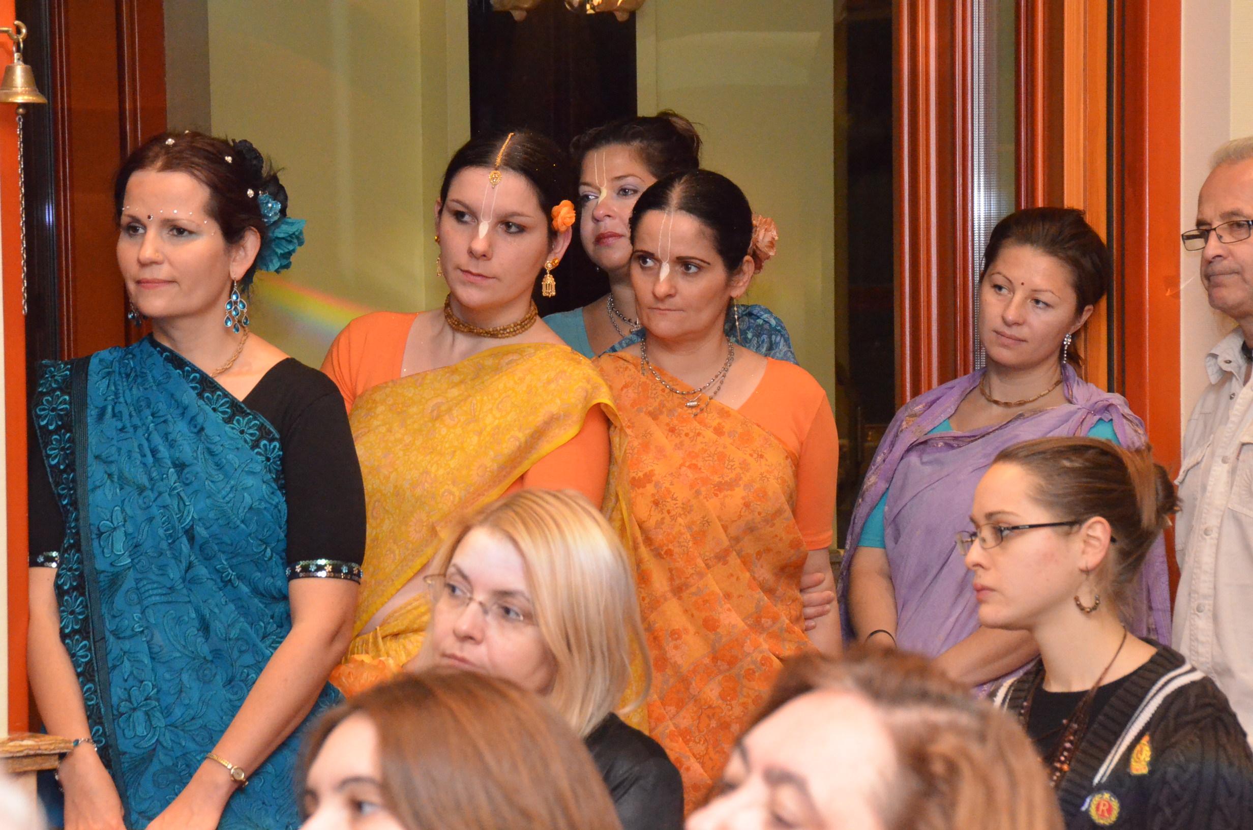 Dívali 2012, Szárik, indiai viselet