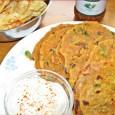 A tepla Nyugat-Gujarat kedvelt étele, de hazánkban is egy színes és isteni csemege lehet a hűvösebb hónapokban. Félig graham lisztből készítjük, de elkészíthetjük gluténmentes verzióban is, kukorica vagy csicseriborsó és sárgaborsólisztet […]