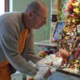 Sok szeretettel meghívjuk a Bhaktivedanta Hittudományi Főiskola Vallásközi beszélgetés-sorozatának soron következő rendezvényére. A kereszténységet és a vaisnaivmust összehasonlító széria utolsó estjének témája: az emberi létezés célja. Előadóink ezúttal is két kérdéskört […]
