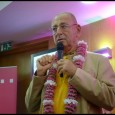 Sivaráma Swami előadása a 2015 évi Dívali esten, amelynek témája a környezetvédelem, és azerőszakmentes, környezettudatos életvitel volt.