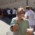 Október 29, keddtől a Blaha Lujza térről ismét az ahhoz közeli Teleki László térre költözik át a nyilvános ételosztás. Az időpontja nem változik, továbbra is minden munkanapon 12 órakor kezdődik. 2010 […]
