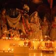 Holnap, azaz október 23-án lesz idén Dívali vagy más néven Dípávalí estéje, amikor is az Úr Rámacsandra hazatérésére emlékeznek vaisnavák, hinduk milliói a világban. Ez a hindu újév napja, egyben az […]