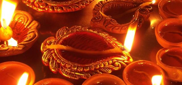 2017-ben október 19-én, csütörtökön ünnepeljük a hindu újévet. Hare Kṛṣṇa és Jāya Sītā Rāma! Az idei Dīvali fesztivál alkalmával, amikor is az Úr Rāmacandra a gonosz Rāvana felett aratott győzelmét, és […]