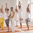 Mi a jóga? Mennyiben különbözik más mozgásformáktól, aerobictól, és erősítő gyakorlatoktól? A mozgást milyen speciális technikákkal egészítik ki? Milyen egészségügyi eredményeket várhatunk tőle? Az egész életmódunkat meg kell változtatnunk, hogy jógázhassunk? […]