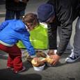 A Magyarországi Krisna-tudatú Hívők Közössége április 4-én, húsvét szombaton, 12 órától kiemelt ételosztást tart a Blaha Lujza téren. A rendkívüli megmozdulás során mintegy 1500 adag meleg ebéd és ugyanennyi tartós élelmiszercsomag […]