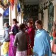 A Civil Rádió Gauranga című műsorában Mérő Mátyás riporter ezúttal Krisna-völgy oktatási igazgatójával, Premamoya das-al (Németh Péterrel) beszélgetett egy különleges indiai zarándokútról. A Krisna-hívő gyermekek, a Srí Prahláda Általános Iskola tanulói, […]