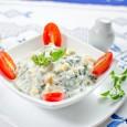 Tavasszal nincs is jobb friss, finom étel, mint egy kalóriaszegény és mégis a szervezetet megfelelően tápláló saláta. A kertben már szinte minden jó megterem… Gyors ínyencség Hémangi konyhájából. Hozzávalók: 2 ek […]