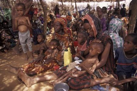 Éhező gyermekek