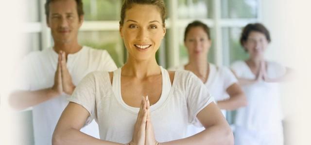 Zenél, fordít, és ellenszolgáltatás nélkül képez jógaoktatókat a nívódíj új birtokosa. A Bhaktivedanta Hittudományi Főiskola, melynek legnépszerűbb szakja jógamestereket képez, már második alkalommal hirdette meg a példamutató jógaoktatók elismerésére alapított, országos […]