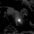 Holdcsomópontok jegyváltása, hátráló mozgású bolygók és az ég pilléreinek gyenge urai. Mindezt megkoronázza egy teljes napfogyatkozás, ami egy igen feszült konstellációt rajzol ki az égen. Mire számíthatunk és hogyan őrizhetjük meg […]