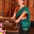 Csodálatos bhadzsant, vagyis indiai tradicionális zenei darabot vitt színpadra a Kirtan London csapata Jahnavi Harrisonnal és Ananda Monet-vel az élen. Az Úr Rámáról szóló dal betöltötte a szíveket. Koi Bolo Ram […]