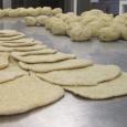 A leggyorsabban elkészíthető lepényféle. Kissé jártasabb szakácsok hatalmas üstökben akár huszat is képesek egyszerre (azaz 4-5 perc alatt) megsütni! Főként ünnepi lakomákhoz ajánljuk. Hozzávalók: 250 g teljes kiőrlésű liszt 100 g […]