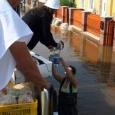 A Magyarországi Krisna-tudatú Hívők Közössége (MKTHK) bekapcsolódik a hazánkban található rendkívüli árhullám elleni küzdelembe. Az MKTHK Ételt az Életért Programja az Országos Katasztrófavédelmi Főigazgatóság felkérésére, profiljának megfelelően a gátakon dolgozó önkéntesek, […]