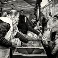 Újságírók is részt vesznek az Élelmezés világnapja alkalmából tartandó ételosztáson, szombaton a Blaha Lujza téren. A Krisna-tudatos misszióban a hívők nagyon fontos feladata a segítségnyújtás, a gondoskodás, az élet krízishelyzeteivel való […]
