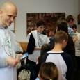 Újabb iskolai élelmiszercsomag-osztást tartottak Krisna-hívők Pécsett. Ezúttal az Éltes Mátyás és TÁSI iskolákba látogattak el az önkéntesek,a hol több mint 100 csomagot és benne több mint 100 kg almát osztottak ki […]