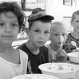 Az Ételt az Életért Alapítvány támogatásával minden kis nyári napközisünk naponta háromszor is jóllakhatott. Köszönjük a rengeteg gyümölcsöt, péksüteményt, tejet és egyéb finomságokat, melyekből egészséges és remek ételeket készíthettünk a gyerekeknek! […]
