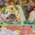 Krisna-völgyben idén november 10-én rendezik az Édességfesztivált, amely során mintegy 2 tonna édességet ajánlanak felKṛṣṇának, majd osztanak ki a résztvevők és a falu lakói között. Az ünnepség utáni napokban környékbeli iskolákat […]
