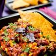 A chili con Carne azt jelenti: chili hússal. Mi természetesen vegetáriánus módon készítjük, ám így is laktató, az eredeti ízeket képviselő fogás lesz. Ha valaki szeretné, kiegészítheti sült paneer vagy sült […]
