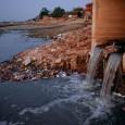 """""""A Jamuna, India ősi, szent folyója – melyről már a védikus szentírások is említést tesznek – milliókat táplál vizével. A hosszan hömpölygő folyó egy szakaszon hirtelen eltűnik a medréből, és helyét […]"""
