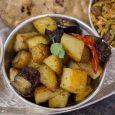 Rendkívül gyorsan elkészíthető, ízletes indiai főétel. Nem túl száraz, inkább a leveses szabdzsik közé tartozik, de ha valaki sokáig szárazon pirítja sült csemege hatást kelthet. A padlizsán sütésénél figyelni kell arra, […]